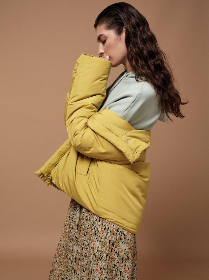 Kurze wattierte Jacke aus recyceltem Polyester