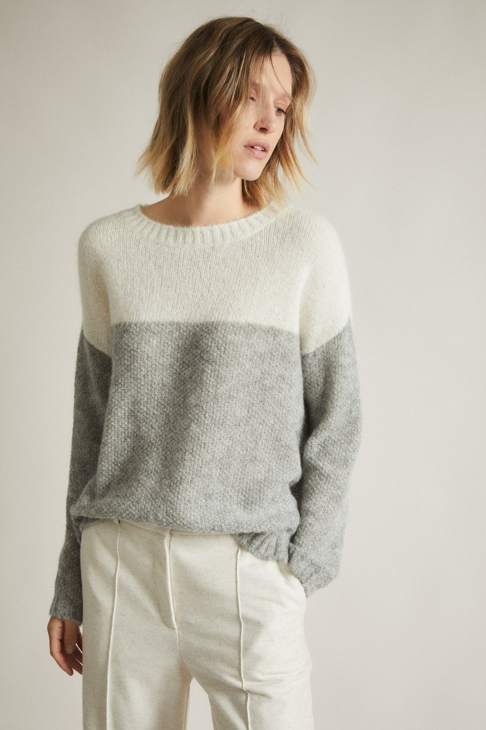 Pullover with Structure