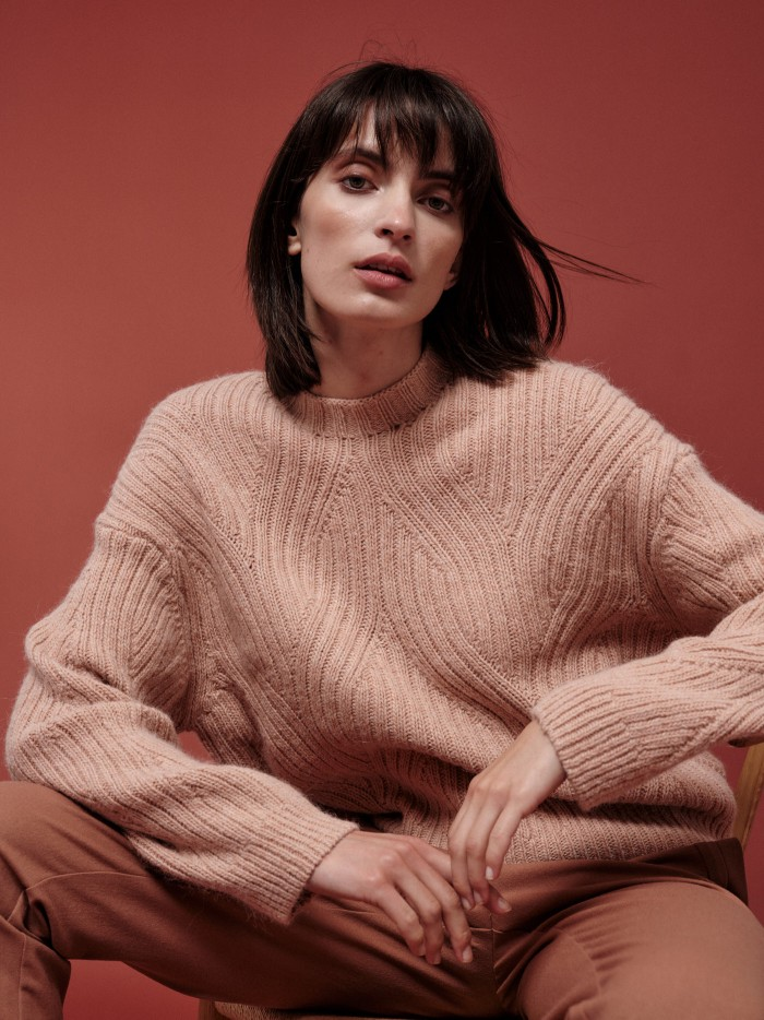 Sweater with ribbed cable knit
