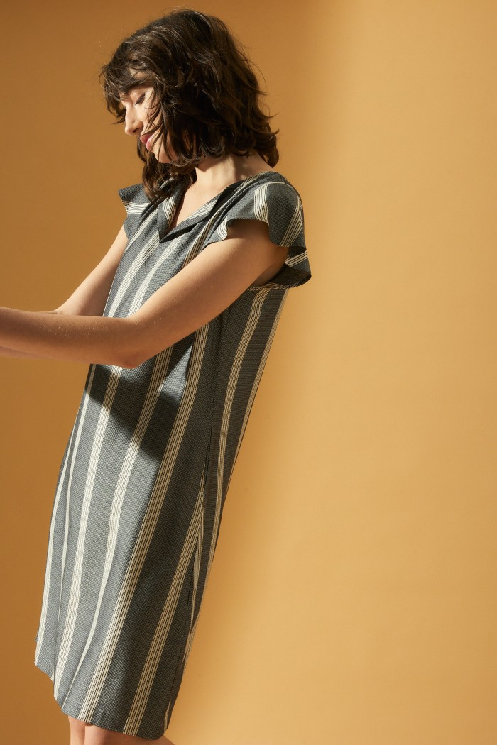Short sleeve dress with stripes