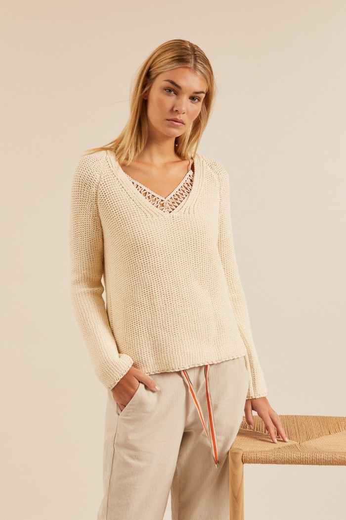 PULLOVER with V-neck made of organic cotton GOTS