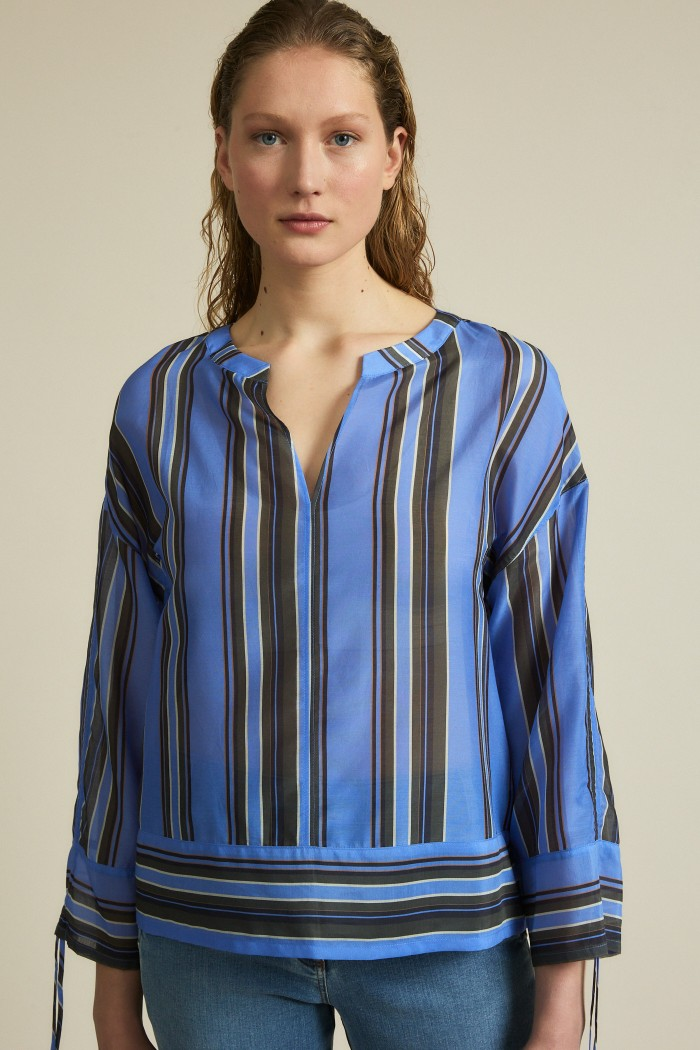 Blouse print stripes