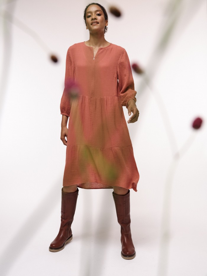 Soft midi dress with structure