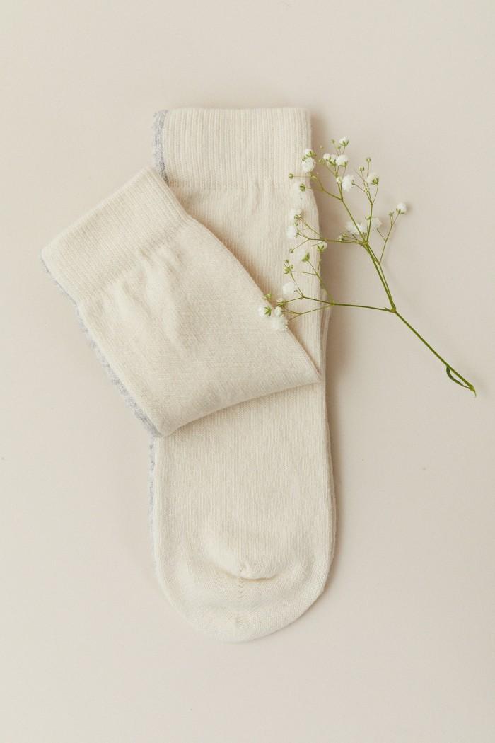 SOCKEN mit Intarsie aus Bio-Baumwolle GOTS