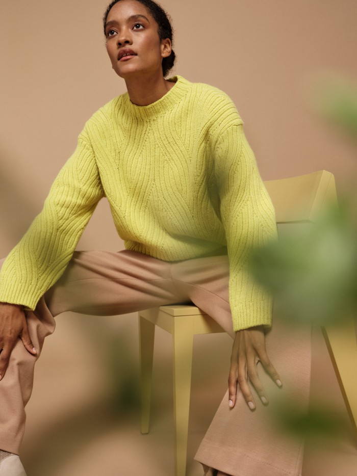 Pullover mit Rippenzopfmuster