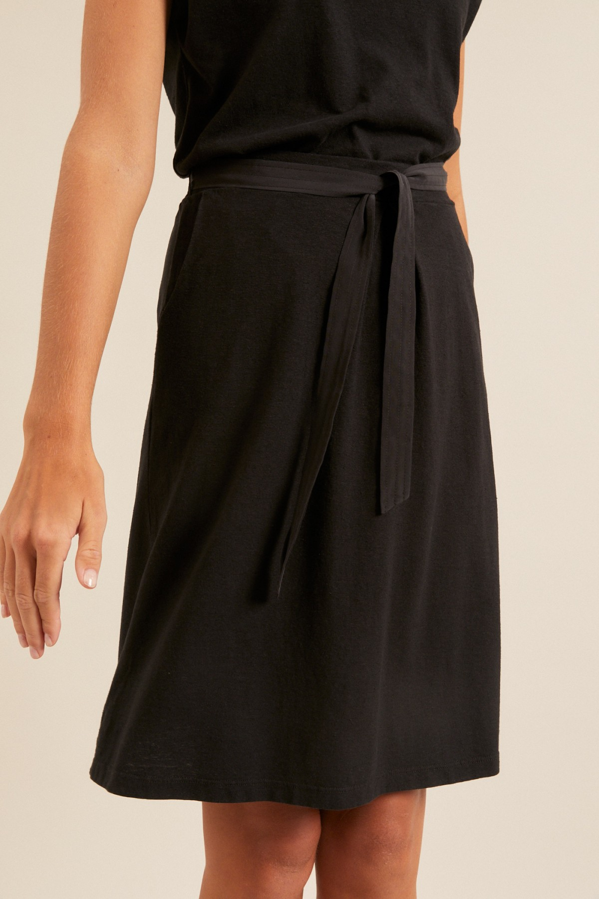 SKIRT with silk belt made of hemp with organic cotton