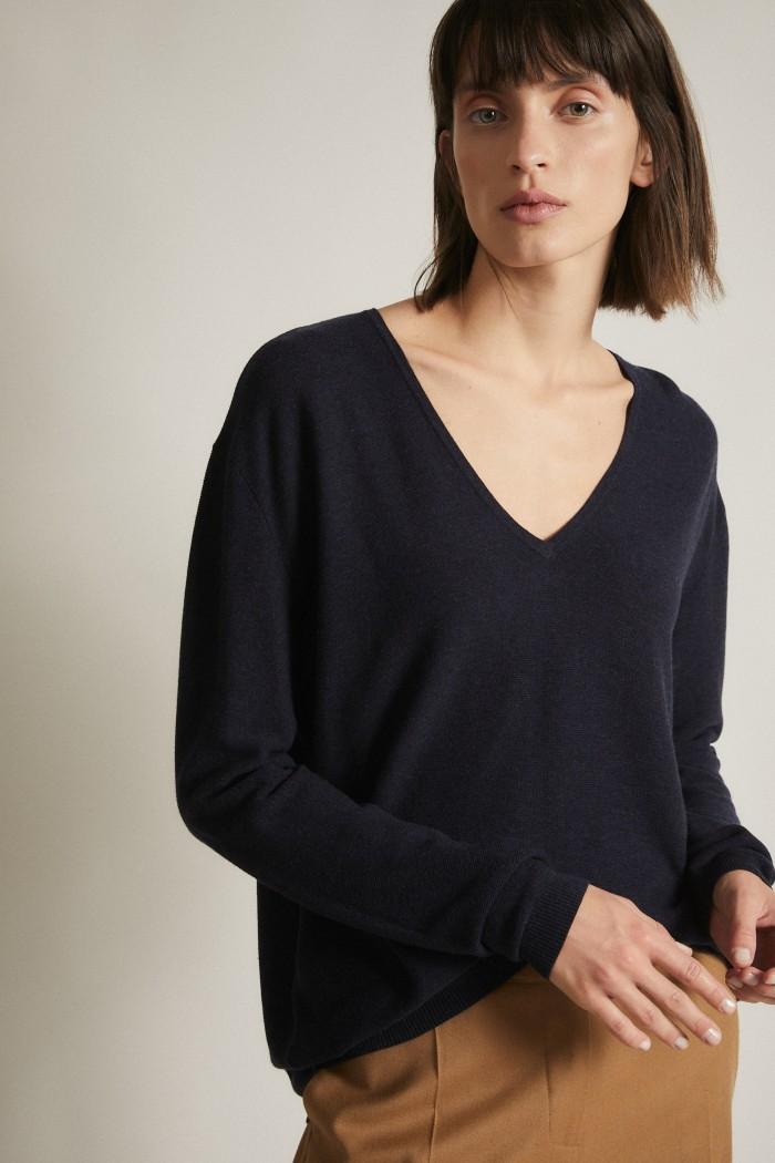 Pullover with V-Neckline