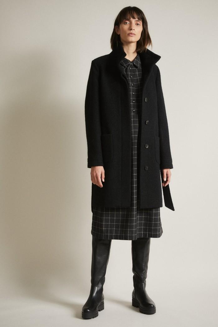 Walkcoat wth belt