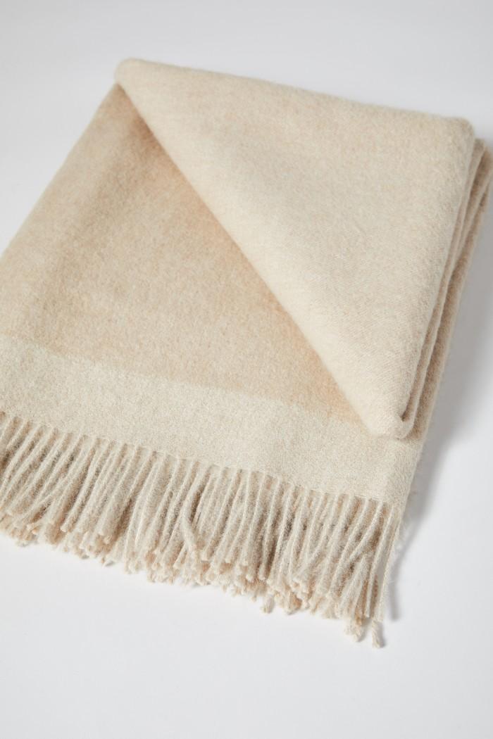 kuschelige Decke aus superfeinem Alpaka
