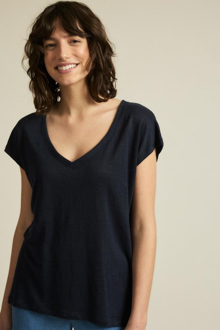 Shirt GOTS with V-neck