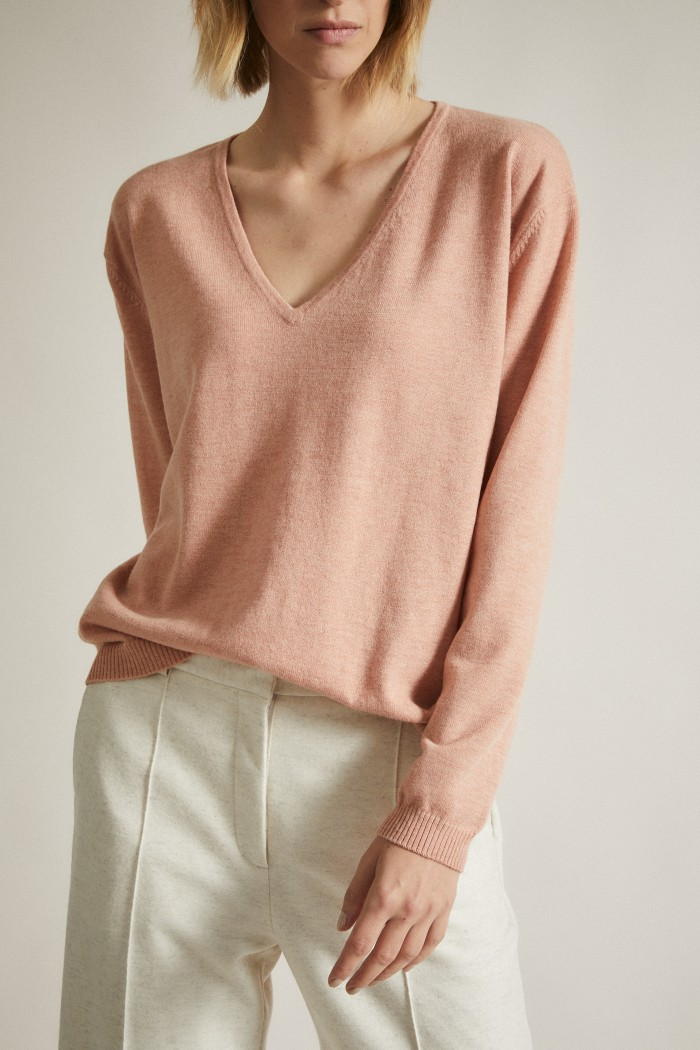 Pullover with V-Neckline