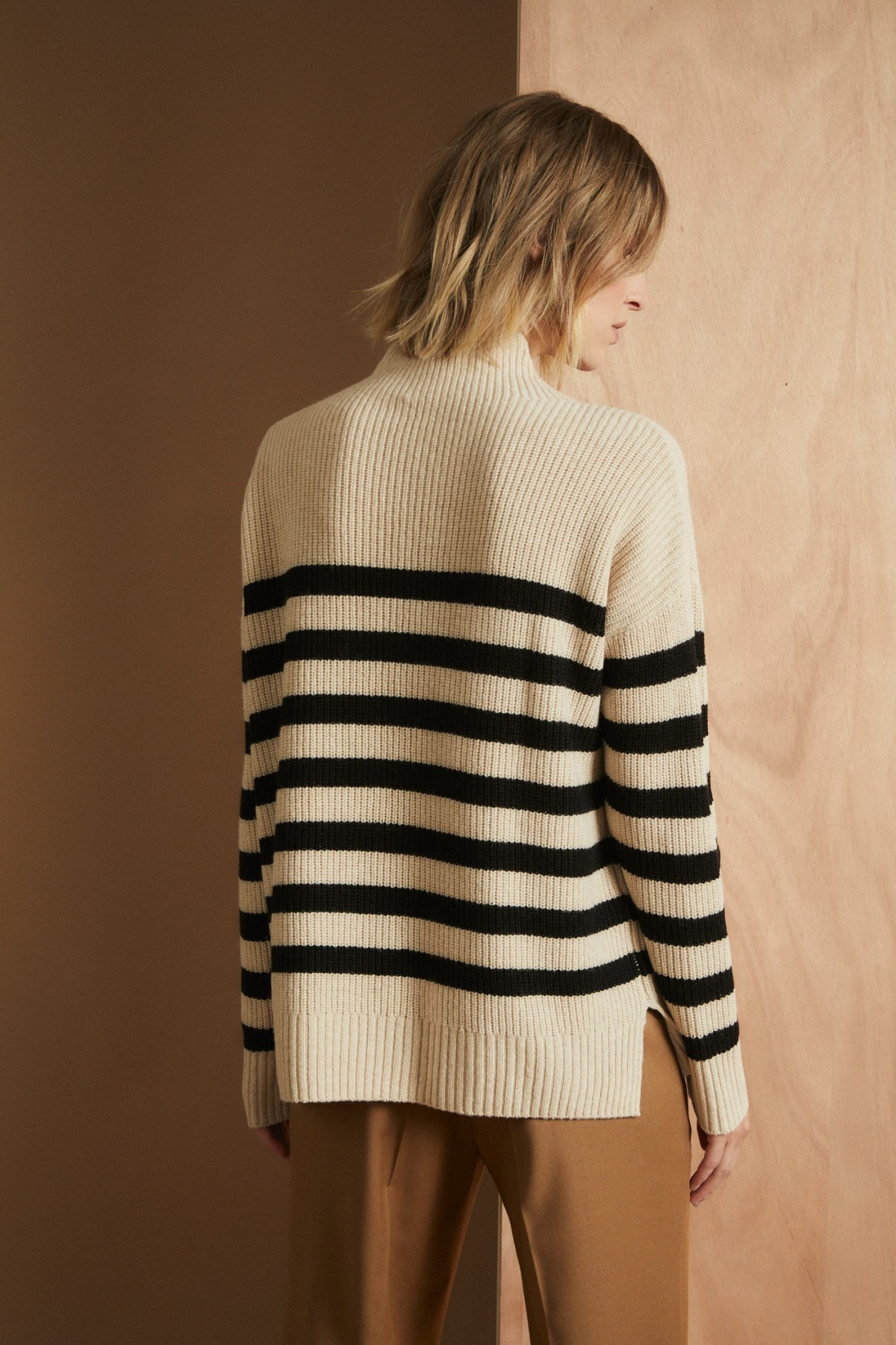 Boxy-Pullover with Stripes